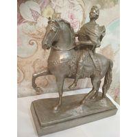 Статуэтка Петр 1 на коне. Не с рубля.