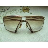 Очки солнцезащитные с линзами laura biagiotti