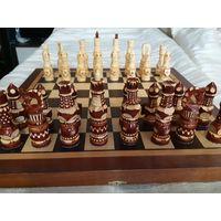 Шахматы резные, ручной работы.