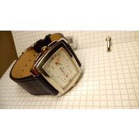 """Часы """"Romanson"""" swiss интересные +новый кожанный ремешок в подарок."""