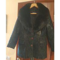 Куртка женская кожаная с меховым воротником, Италия