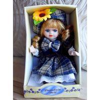 Кукла фарфоровая Германия (20 см)