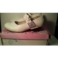 Белые детские туфли для девочки