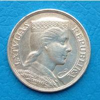 Латвия  5 лат 1931 год  серебро.