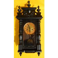 Старинные немецкие часы. Высота 65см., рабочие.