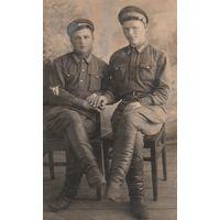 Два сотрудника милиции РКМ НКВД. 1930-е годы