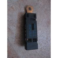 103522Щ Merserdes W205 фильтр помех радио A1568200089