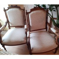 Кресла старинные.19 век. Резьба по дереву.2 шт.