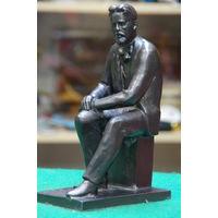 Статуэтка - скульптура   Чехова
