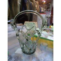 Декоративная стеклянная корзинка