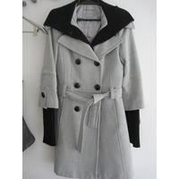 Пальто зимнее утепленное на синтепоне 44 размер