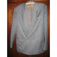 Мужской пиджак шерстяной фирменный