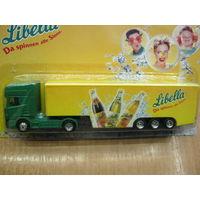 Модель грузового автомобиля (китай) 17. Масштаб НО-1:87.