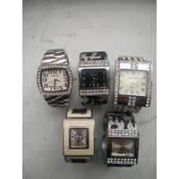 Часы-браслеты женские цена за одни